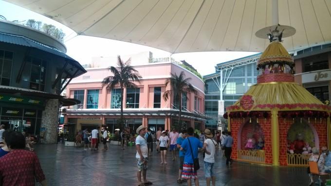 泰国普吉岛芭东海滩江西冷商场