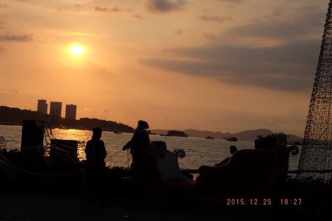 1-在双条车上拍摄到的沙滩落日